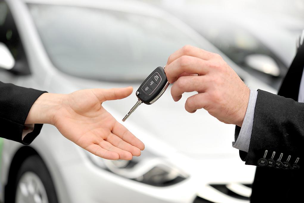 ¿Cómo se debe hacer el cambio titularidad de un coche o vehículo?